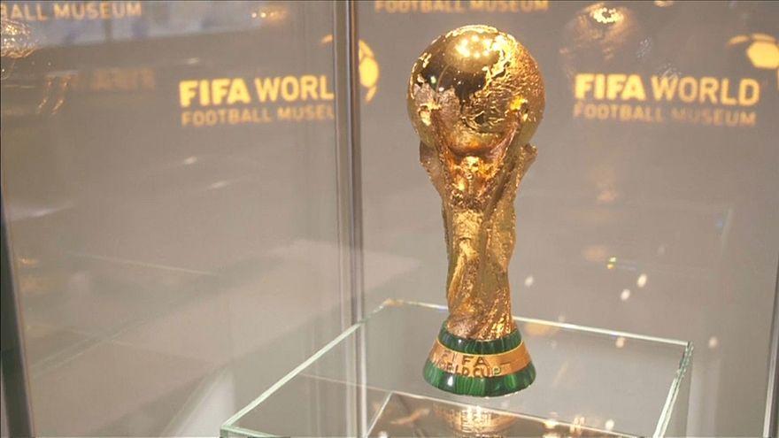 كأس بطولة العالم لكرة القدم 2018، يبدأ رحلته إلى المدن الروسية