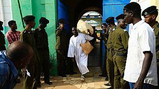 Soudan : un défenseur des droits de l'Homme jugé pour espionnage, gracié