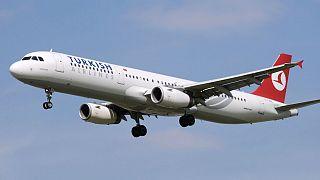 Heathrow: megtagadta a pilóta, hogy menedékkérőt deportáljon