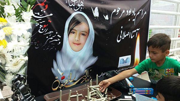قاتل آتنا اصلانی در ملاء عام اعدام میشود