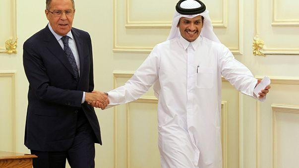 """لافروف من الدوحة :""""لا نريد أن نلعب دور الوسيط،  وندعم الوساطة الكويتية"""""""
