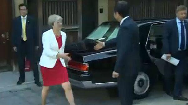 Theresa May au Japon pour l'après-Brexit