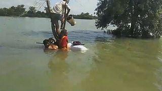 Már ötszáz fölött van az indiai árvíz halálos áldozatainak száma