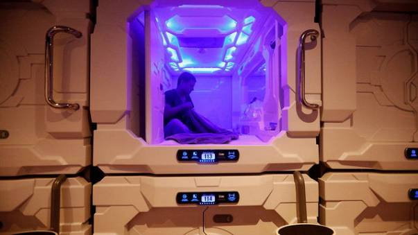 Small room, small prices: Mexico City's first sleep pod hotel