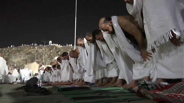 Στο όρος Αραφάτ 2 εκατ. μουσουλμάνοι για προσευχή
