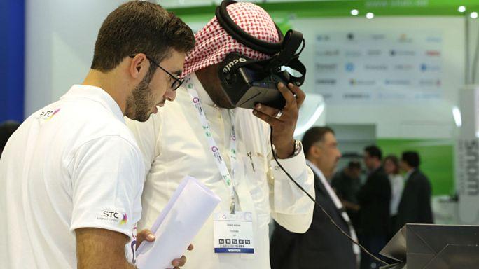 """تجربة الحج من خلال تقنية """"الواقع الافتراضي"""""""