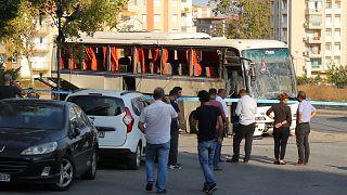 İzmir'de cezaevi aracına bombalı saldırı