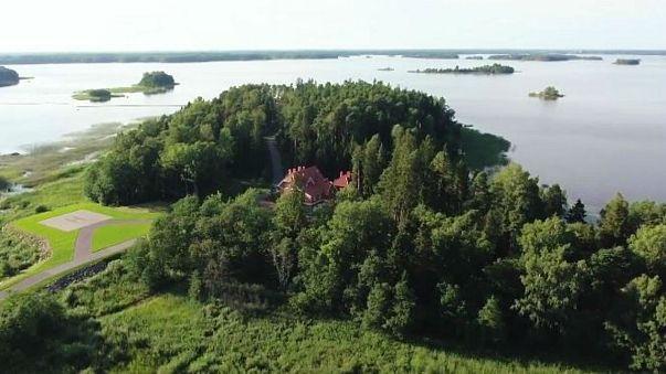 فيديو لمنزل بوتين الريفي