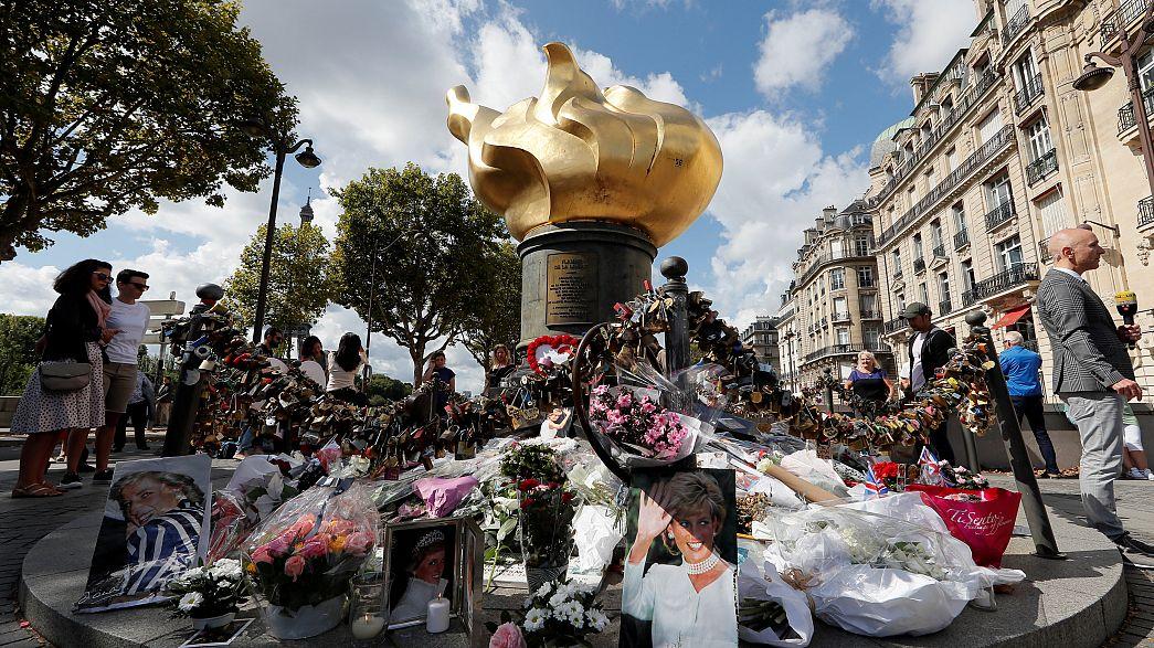 Prenses Diana ölümünün 20'nci yılında anıldı