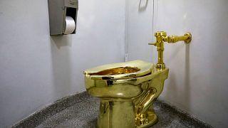 مرحاض من الذهب للاستخدام في نيويورك