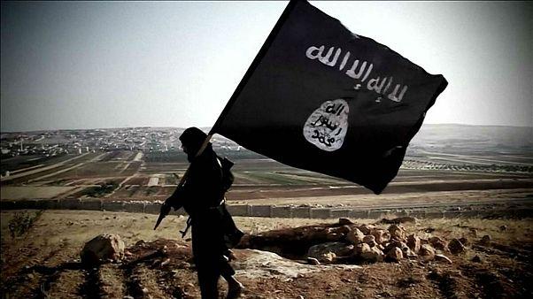 داعش يتبنى الهجوم الانتحاري على مركز للشرطة في الجزائر