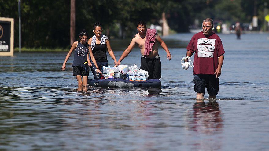 Tempestade Harvey danifica 100 mil casas