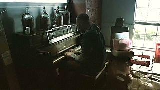 بالفيديو: إعصار هارفي.. موسيقى على وقع الدمار