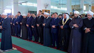 بالفيديو: بعد رحيل داعش الاسد يؤدي صلاة العيد في القلمون