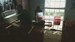 Du piano les pieds dans l'eau