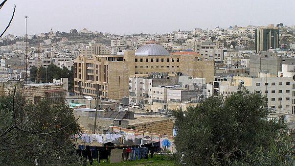 اسرائيل تعزز سلطات المستوطنين اليهود بمدينة الخليل المحتلة