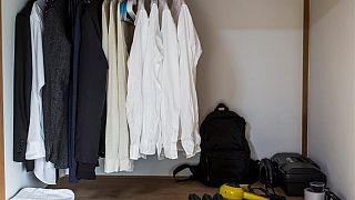 «Σταματήστε να ψωνίζετε»: Η βιωσιμότητα αρχίζει από τη ντουλάπα μας