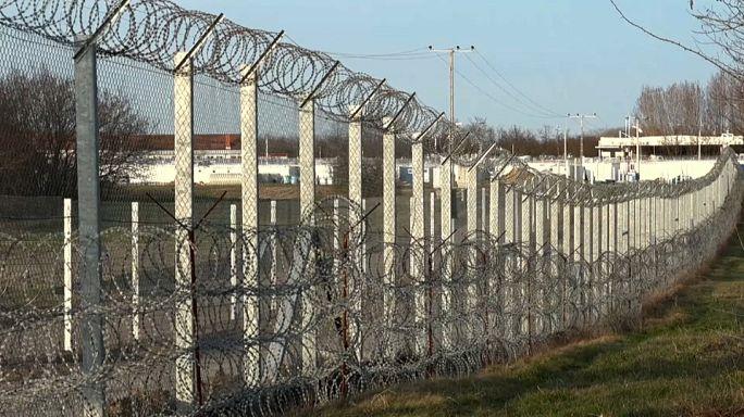 Венгрия требует деньги за стену
