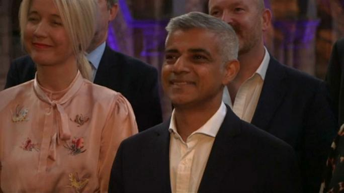 Brexit: kőbevésett garanciát adna London polgármestere
