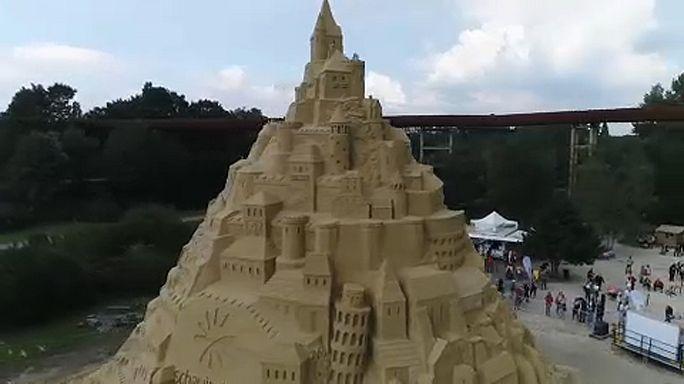 Duisburgban áll a világ legmagasabb homokvára