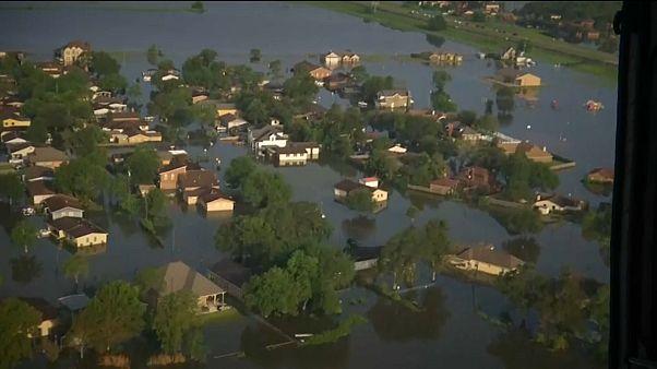 Houstonban már apad a víz a Harvey után