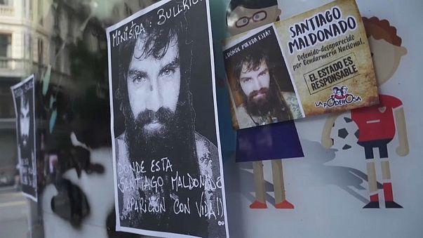 Manifestantes protestam contra desaparecimento de ativista