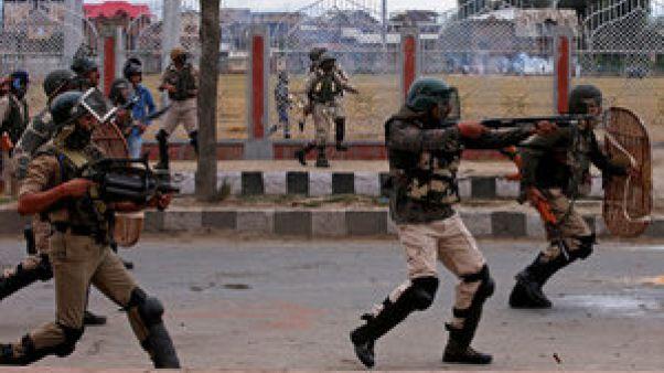 Enfrentamientos con la policía de la India en Cachemira