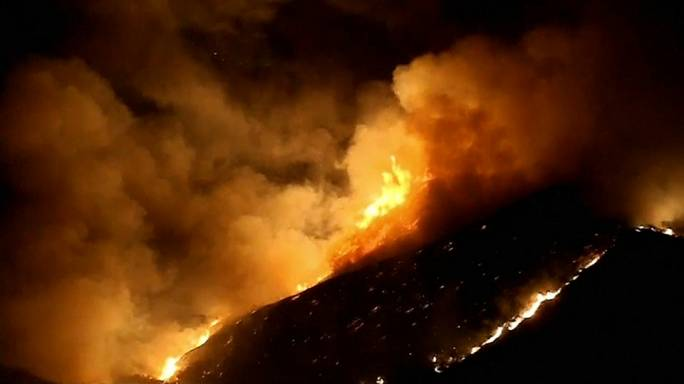 إعلان الطوارئ في كاليفورنيا بسبب حرائق الغابات