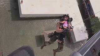 Rescate con helicóptero en Houston