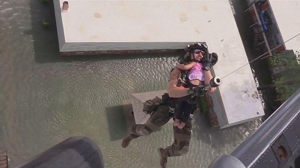 Поиски выживших после наводнений