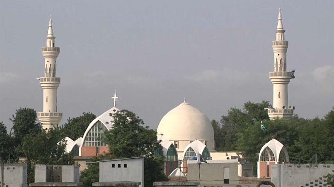 المسلمون في باكستان والهند يحتفلون بعيد الأضحى