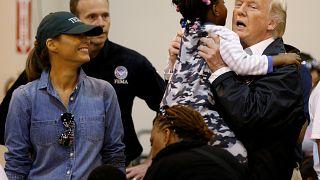 Трамп посетил пострадавшие районы