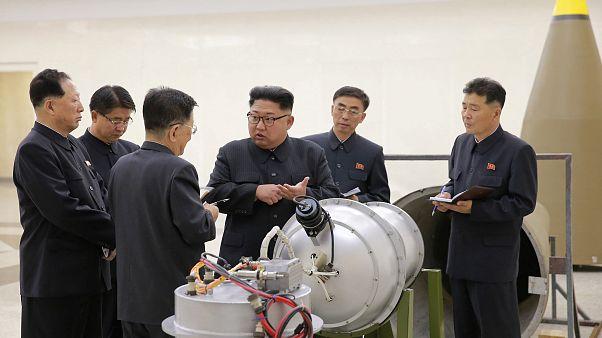 Észak-Korea bejelentette: hidrogénbombával végzett kísérletet