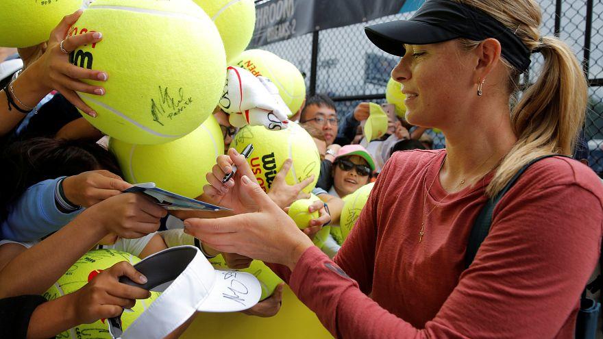 ساحرة التنس شارابوفا تعود بقوة إلى بطولة أمريكا المفتوحة بعد 15 شهرا من الإيقاف
