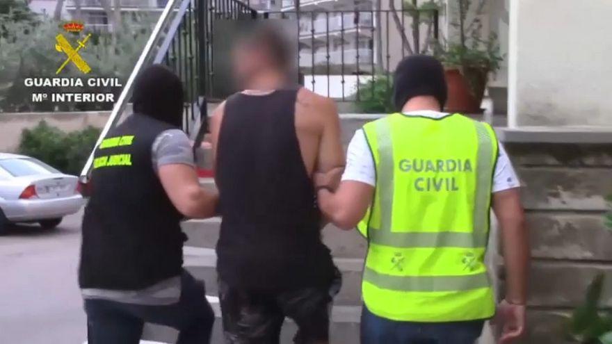 """تفكيك شبكة دولية لبيع المخدرات في منتجع """"ماغالوف"""" السياحي بإسبانيا"""