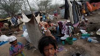 مسلمو الروهينغا.. فرار 70 ألفا من مجازر جيش ميانمار والموت يتهدد من بقي داخل إقليم أراكان