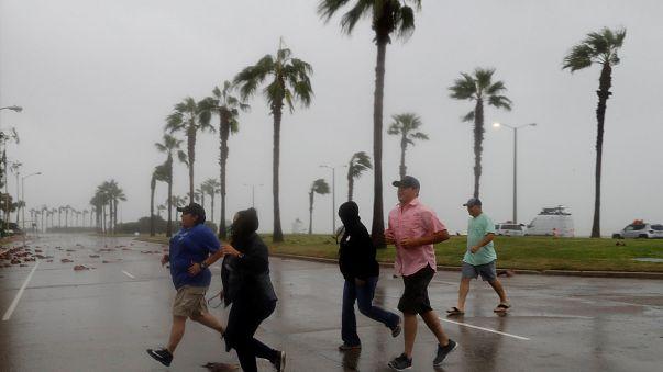 How do hurricanes get their names ?