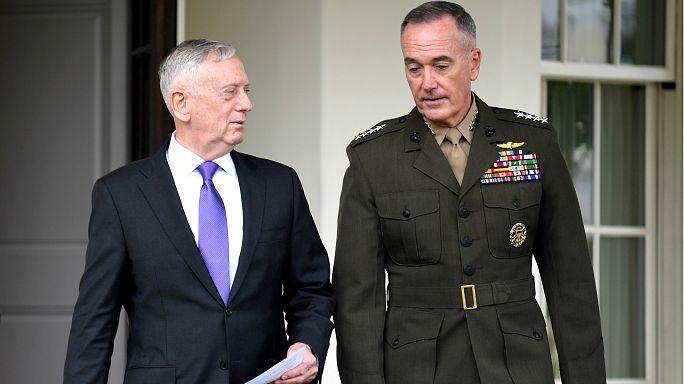 """وزير الدفاع الأمريكي يتوعد كوريا الشمالية """"برد عسكري هائل"""" إن شنت هجوما"""