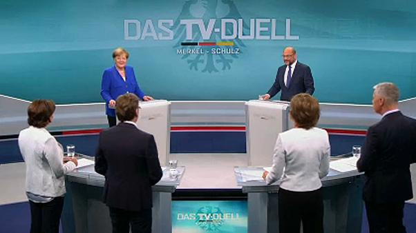 Merkel, Schulz call for end to EU-Turkey accession talks