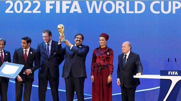 ميركل وشولتز يرفضان استضافة قطر لمونديال 2022