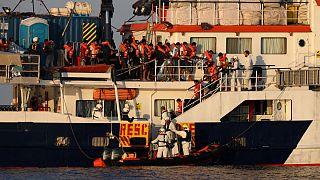 کشتی امدادگر برای کمک به روهینگیاییها مدیترانه را ترک کرد