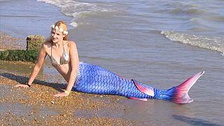 الحوريات يظهرن على شواطئ إنكلترا