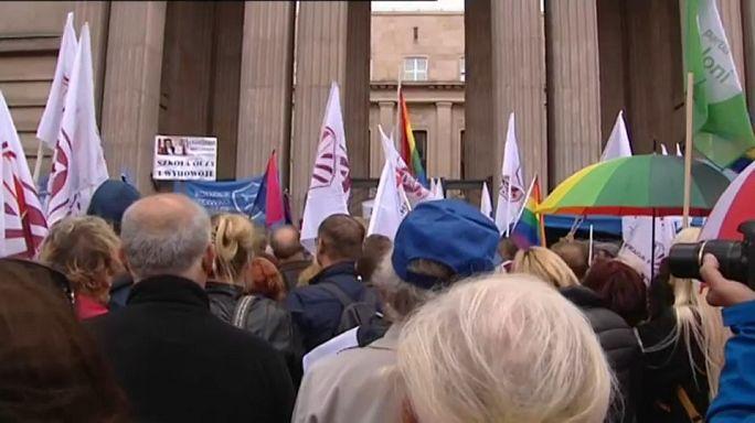 Lehrer protestieren gegen Polens Schulreform