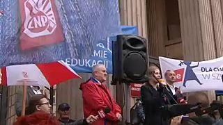 Állásukat féltik a lengyel tanárok a reform miatt