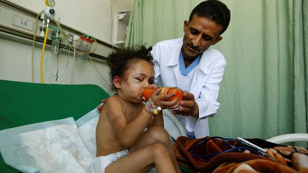 مسؤول أممي يحمل السعودية مسؤولية تمويل إنقاذ اليمن