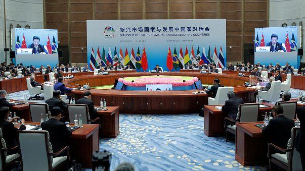 قمة بريكس: الرئيس الصيني يحث على مكافحة الحمائية