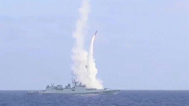 """القوات السورية تكسر حصار """"الدولة الاسلامية"""" على دير الزور"""