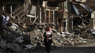 Syrian forces 'make breakthrough' in Deir al-Zor