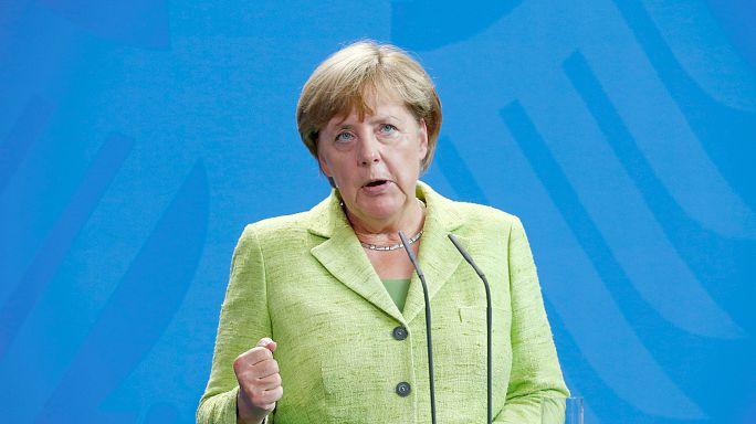 ميركل تقف حاجزا أمام انضمام تركيا للاتحاد الأوروبي
