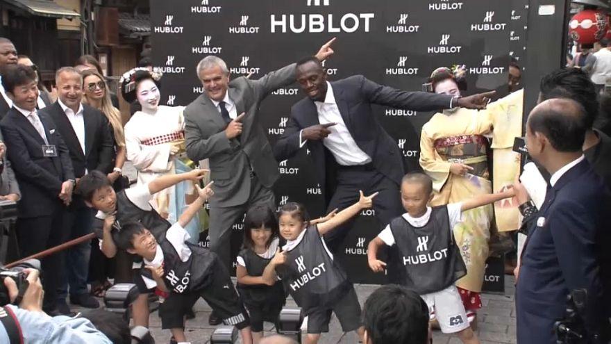 هل يلعب العداء الأسطورة أوسين بولت في ناد ياباني لكرة القدم؟